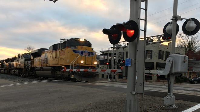 Glendale will continue its work on a quiet zone which will ban train horns blaring as the engines travel through the village.