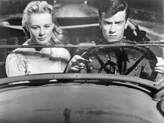 Shirley Knight and Lee Kinsolving in 'The Dark at the