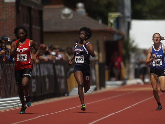 Wakulla's Ma'Asa Gay competes in the 200m run at the