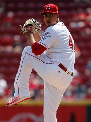 Cincinnati Reds starting pitcher Robert Stephenson (55) delivers during the National League baseball game between the Milwaukee Brewers and the Cincinnati Reds, Saturday, April 15, 2017, at Great American Ball Park in Cincinnati.