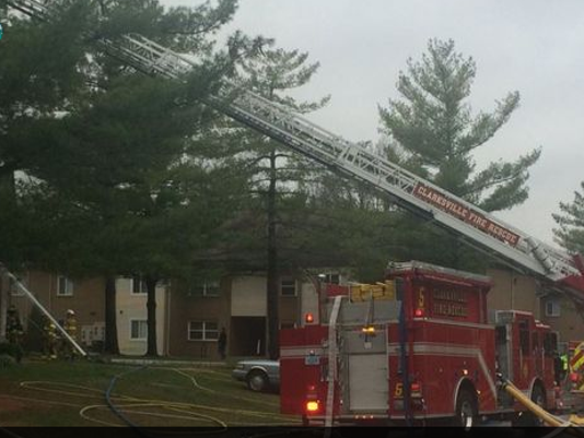 635844018503213818-Clarksville-fire-WHAS.png