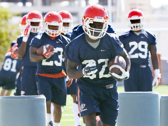 UTEP freshman running back Tyrone Nelson, 22, runs