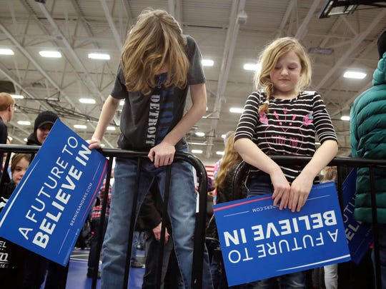 Young supporters wait for Democratic presidential candidate