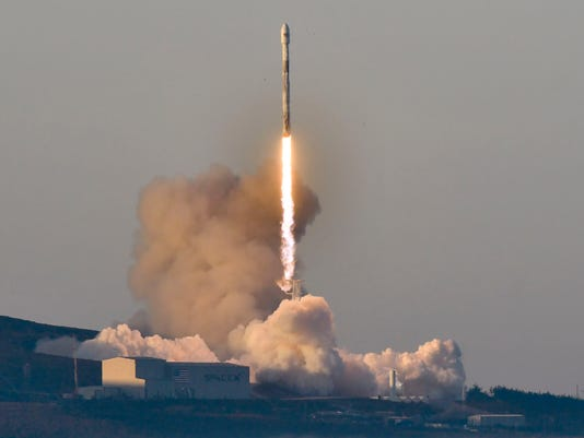 AP SPACE SPACEX LAUNCH A USA CA