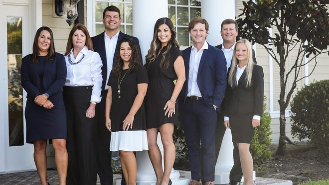 Great Oaks Bank branch Pooler team. Great Oaks opened a new full-service branch in Pooler at 2100 Pooler Parkway this week.