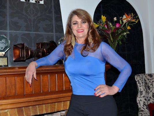 Rosa Gloria Chagoyan (2)