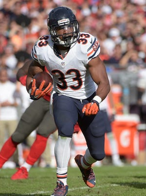 Chicago Bears running back Jeremy Langford runs against the Tampa Bay Buccaneers on Dec. 27, 2015, in Tampa.