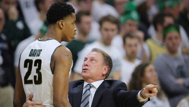 501141262.jpg EAST LANSING, MI - DECEMBER 12:  Head coach Tom Izzo of the Michigan State Spartans talks to Deyonta Davis #23 of the Michigan State Spartans in the first half at the Breslin Center on December 12, 2015 in East Lansing, Michigan.
