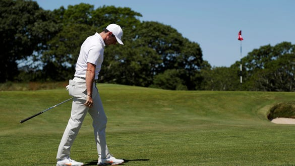10 painful photos of golfers suffering during the U.S. Open first round