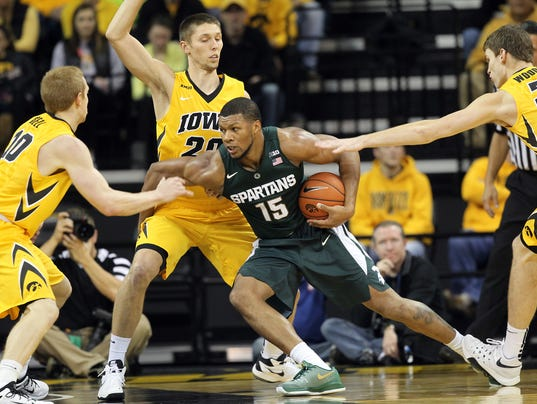 635870268088273266-IOW-1229-Iowa-mbb-vs-MSU-25.jpg