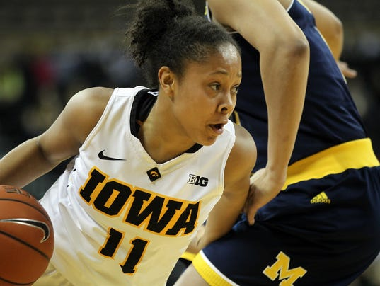 635896155726983829-IOW-0128-Iowa-wbb-vs-Michigan-10.jpg