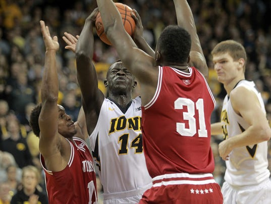 636020155912594212-IOW-0301-Iowa-vs-Indiana-mbb-31.jpg