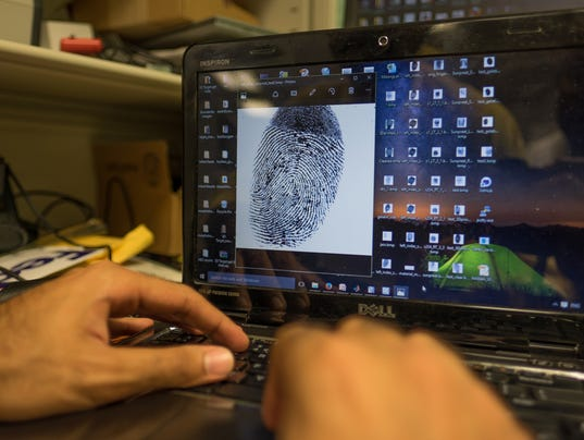 636056321952572710-636054937378673508-fingerprint-detection-1.JPG