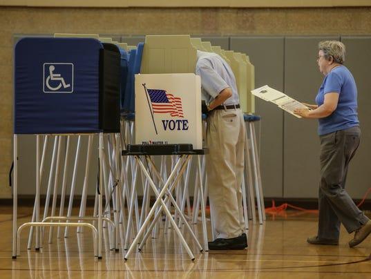 636066122353651506-080216-voting-polls-rg-08.jpg
