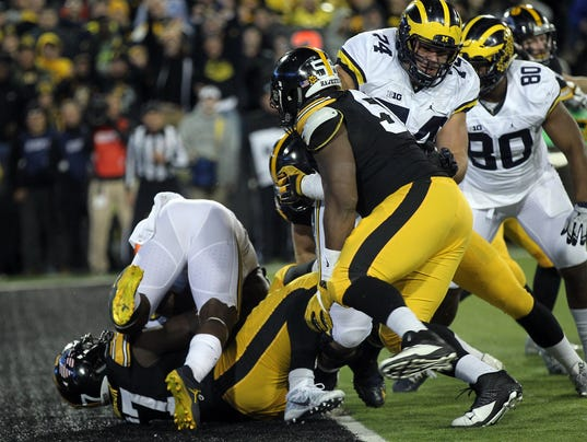 636146357974506555-IOW-1112-Iowa-vs-Michigan-06.jpg