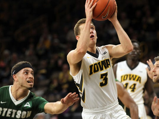 636165686088037366-IOW-1205-Iowa-vs-Stetson-MBB-08.jpg