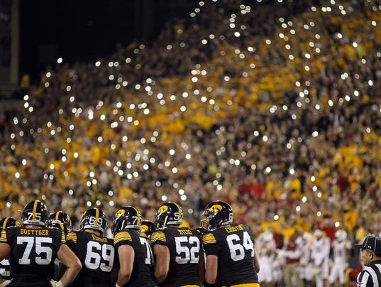 636179446619345856-IOW-0910-Iowa-vs-ISU-fb-26.JPG
