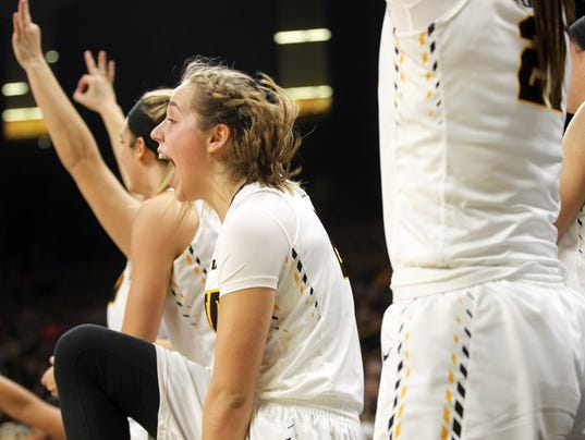 636197686501247482-IOW-0111-Iowa-vs-Illinois-wbb-15.jpg