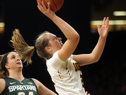636222699057164116-IOW-0209-Iowa-vs-MSU-wbb-02.jpg