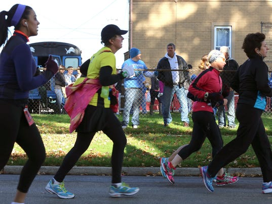 Marathon, Detroit FreePress Marathon, Talmer Bank, Mile 10,11,12