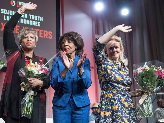 636447996898596516-102817-womensconvention-31.jpg