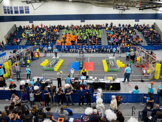 636586173715617010-20180406-FIRST-robotics-0004.jpg