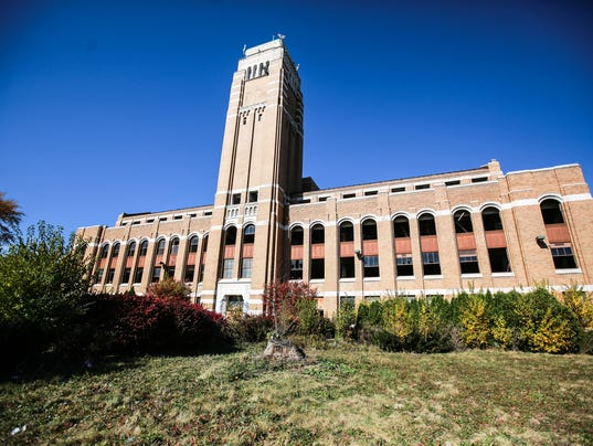 500 auction sale of abandoned american motors hq hits snag for Charity motors auction in detroit mi