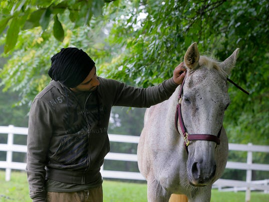 ASB 0817 Atlantic Highlands PTSD horse therapy Presto ID: 564301001