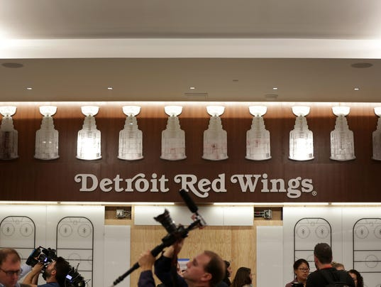 Detroit Red Wings Locker Room Tour