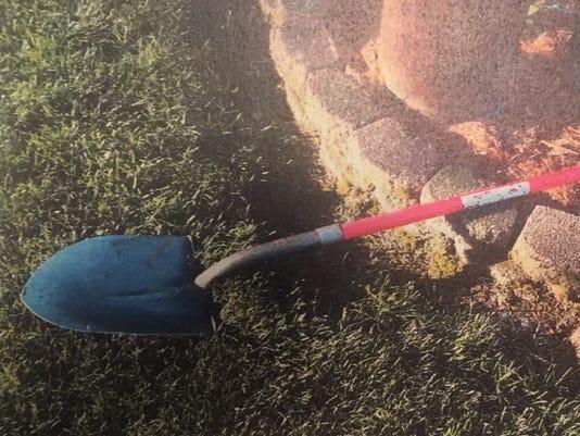 636637954412223033-shovel.jpg