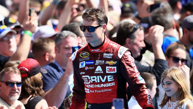 Jeff Gordon got huge applause during driver introductions before the 2015 Daytona 500 on Feb. 22.