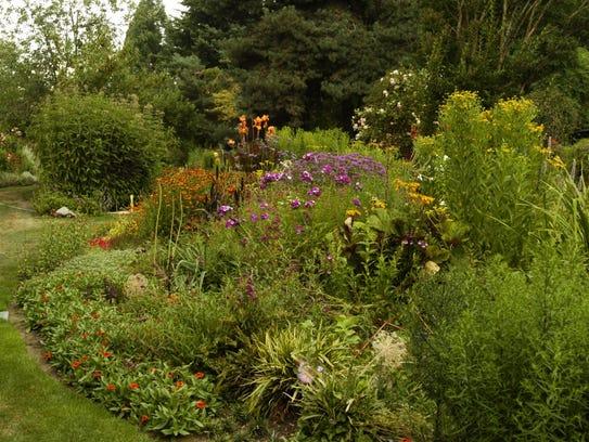 The Martha Springer Botanical Garden is at Willamette