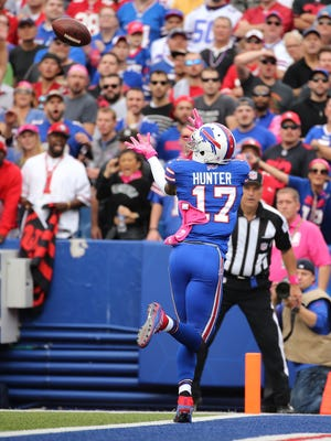 Bills receiver Justin Hunter catches this 30-yard pass for a touchdown.