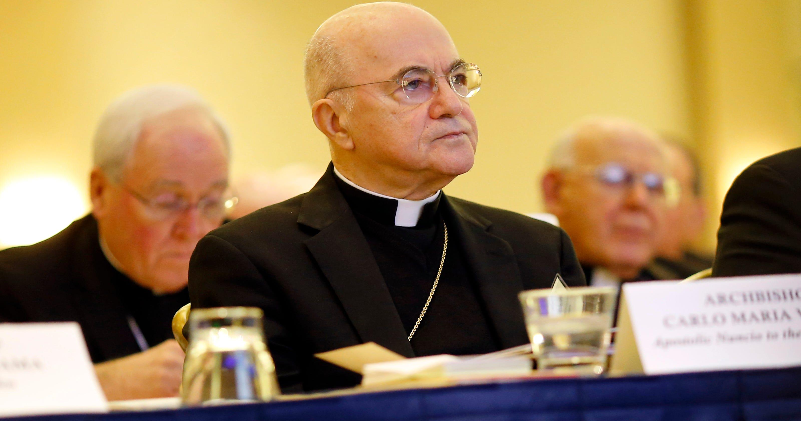 Bishops Applaud Official Behind Pope Davis Meet