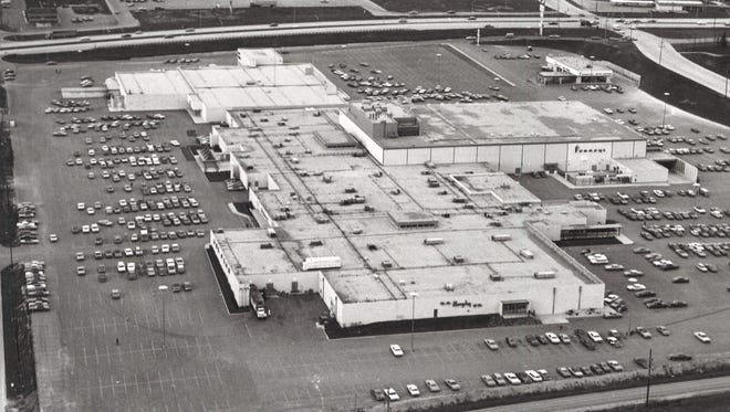 The mall as it looked from the air after completion in 1970.