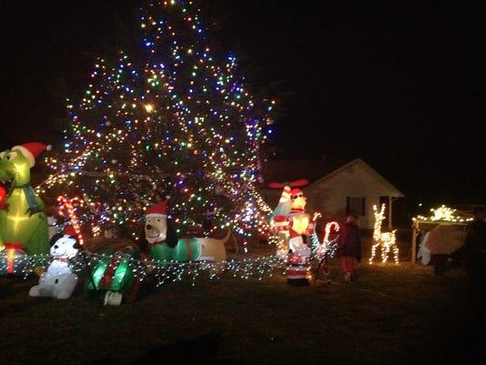 Gassville tree lighting