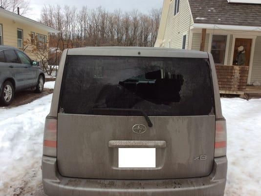 636529279888113654-Car-broken-window.jpeg