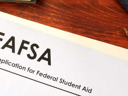 A FAFSA booklet.