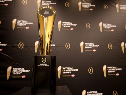 College_Football_Playoff_Trophy_TXTG105_WEB080203
