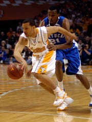 Tennessee's Chris Lofton gets past Kentucky's Perry Stevenson.  Tennessee beats Kentucky 63-60 at Thompson-Boling Arena March 2, 2008.