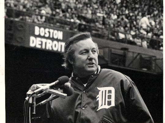 With 3,000 hits behind him and only three games left to play, Al Kaline said his thanks and good-byes at an anti-climactic game in the Tiger Stadium on Sunday.