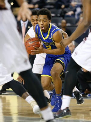 Delaware guard Anthony Mosley had 20 points against UNCW Saturday.