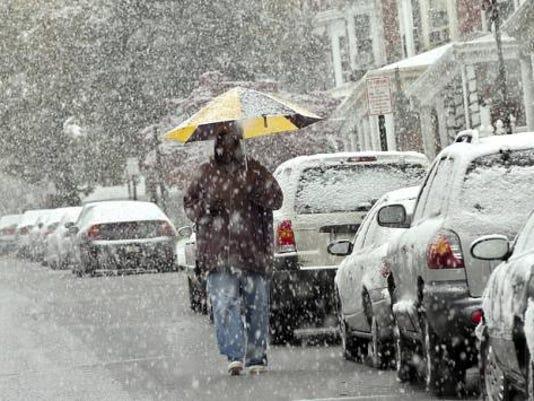 20111029__web_102911-jp-snow-walk_500
