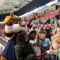 What a Swamp Rabbits hockey game looks like through school kids' eyes