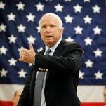 Senador McCain dice que reforma migratoria depende de resultados electorales
