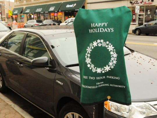 Bloomfield Township introduced green canvass bags in