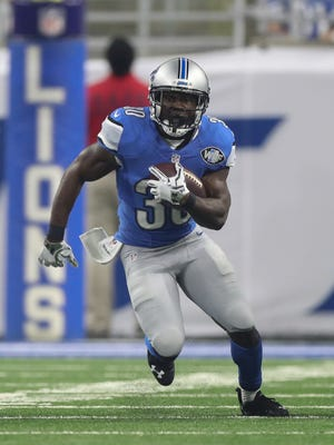Lions running back Justin Forsett runs the ball during the first half against the Los Angeles Rams on Sunday, October 16, 2016 at Ford Field in Detroit.