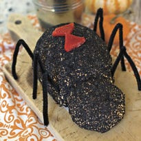 It's easy to make this black widow-styled cheese ball.