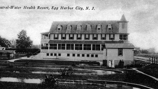 A 1905 postcard from the hotel.