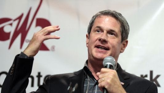 The public is invited to a Town Hall meeting hosted by U.S. Sen. David Vitter at 6:30 p.m. Thursday in the Main Street Community Center, 708 Main St. in Pineville.